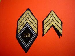 ECUSSON MODELE 45 / 58° RT / 58° REGIMENT DE TRANSMISSIONS / SERGENT CHEF - Ecussons Tissu