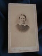 Photo CDV  Fragney à Besancon  Portrait Femme  CA 1870 - L413 - Anciennes (Av. 1900)