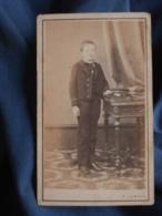 Photo CDV  A. Lumière à Besancon  Jeune Ecolier En Uniforme  CA 1865 - L413 - Anciennes (Av. 1900)