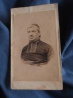 Photo CDV Sans Mention Photographe  Portrait Curé, Abbé, Religieux  Calotte Second Empire  CA 1865 - L413 - Anciennes (Av. 1900)
