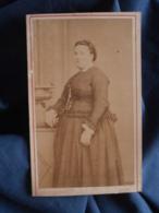 Photo CDV Thiersault à Paris - Femme Corpulente Circa 1870 L412 - Anciennes (Av. 1900)