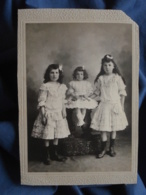 Photo Cabinet Anonyme - Trois Jolies Fillettes Vers 1900 L412 - Photographs