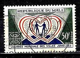 MALI 109° 50f Vert, Rouge Et Outremer Journée Mondiale Des Villes Jumelées (10% De La Cote + 015) - Mali (1959-...)