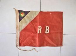Rare  DRAPEAU Ou FANION D' AUBERGE De JEUNESSE  R.B - Scouting
