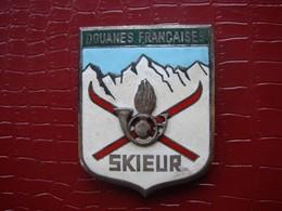 Douanes Françaises . Skieur  ( Ancien ) - Police & Gendarmerie