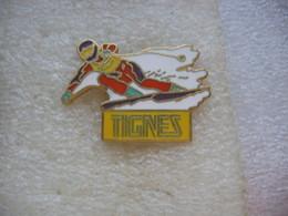 Pin's Courses De Ski Sur Le Domaine De TIGNES - Winter Sports