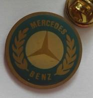 Pin's - Voiture Logo Mercedes - Mercedes