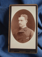 Photo CDV Berthaud Rue Cadet Paris  Portrait Jeune Homme élégant CA 1885 - L403A - Anciennes (Av. 1900)