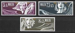 MALTE    -   1972 .   Y&T N° 456 à 458 **.   Noël.  .  Série Complète - Malta