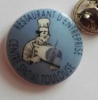 Pin's Porcelaine Restaurant D'entreprise  Centre Spatial Toulouse - Autres