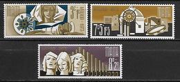 MALTE    -   1973 .   Y&T N° 480 à 482 **.   Noël.    Série Complète - Malta