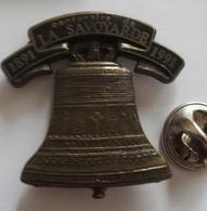 Pin's Cloche La Savoyarde  Dos Alpes Trophées Annecy - Autres