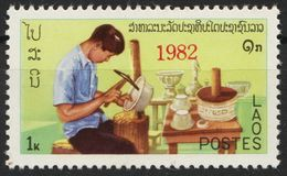 Laos 600 Overprint 1982 Red Postfrisch - Laos