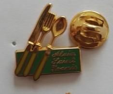 Pin's  Logo Couvert  Alain Saint ?  EGF - Autres
