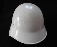 Casque De Pompier Militaire Suisse Modèle 1918/40 - Headpieces, Headdresses