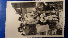 PHOTO FAMILLE ENFANT SUR UN CHEVAL EN PELUCHE - Jouets Anciens