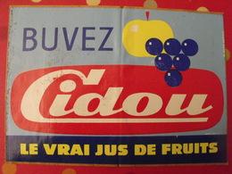 Grand Autocollant Publicitaire Buvez Cidou Le Vrai Jus De Fruits. Marcel Jost Strasbourg Vers 1950-60. - Autocollants