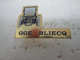 PIN'S    Garage BLIECQ - Badges