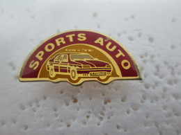PIN'S    SPORTS   AUTO   SOMME - Badges