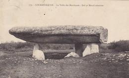 56. LOCMARIAQUER. CPA. DOLMEN. LA TABLE DES MARCHANDS. - Dolmen & Menhirs