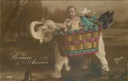 CP BONNE ANNEE BEBE DANS VASE ELEPHANT - GLORIA - Nouvel An