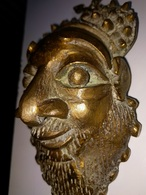 RARE : MASQUE AFRICAIN EN BRONZE - Bronzes