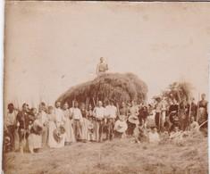 LA  FENAISON  EN   DORDOGNE ,,BELLE  PHOTO     ANIMEE ,,,,  14 X 12  Cm,,,,TBE - Anciennes (Av. 1900)