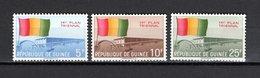 GUINEE N° 60 à 62  NEUFS SANS CHARNIERE COTE 1.00€  INDEPENDANCE DRAPEAU - Guinée (1958-...)
