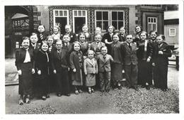 CPA GLACEE DE PARIS. EXPOSITION 1937. ROYAUME DE LILLIPUT. UN GROUPE DE LA POPULATION. ESPLANADE DES INVALIDES - Ausstellungen