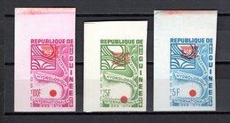 GUINEE N° 284 à 286 NEUFS SANS CHARNIERE  COTE ? € NON DENTELES VARIETE UNESCO RENVERSE - Guinée (1958-...)
