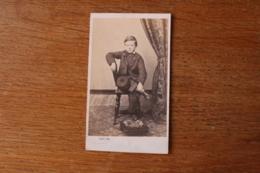 Cdv Second Empire  Le Jeune Garçon Au Chapeau Par Clavet - Photographs
