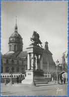 [63] CLERMONT-FERRAND  Place De Jaude, Statue De Vercingétorix Et église St-Pierre-des-Minimes - Clermont Ferrand