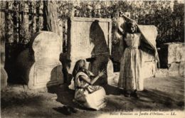 CPA LL Scenes Et Types- Jeunes Filles Kabyles&Ruines Romaines ALGERIE (793540) - Algérie