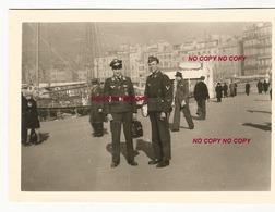 WW2 PHOTO ORIGINALE Soldat Allemand Officier LW Vieux Port à MARSEILLE BOUCHES DU RHÔNE 13 OCCUPATION - 1939-45