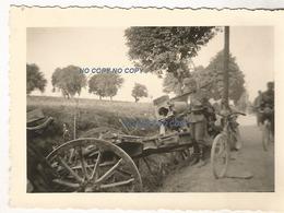 WW2 PHOTO ORIGINALE X2 Soldat Allemand & Canon Français Abandonné DEBÂCLE 1940 - 1939-45