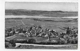(RECTO / VERSO) BONVILLARS ET LE LAC DE NEUCHATEL - PLI BAS A DROITE - BEAU TIMBRE - FORMAT CPA VOYAGEE - NE Neuchâtel