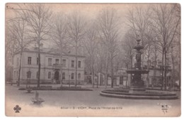 VICHY - Place De L'Hotel De Ville - Vichy