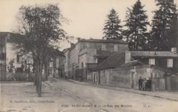 CPA - St Dizier - La Rue Des Moulins - Saint Dizier