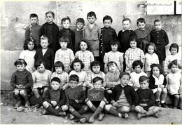 23   LUSSAT   - PHOTO DE CLASSE , Année 1943 ( Format  PHOTO ,17 X 12 ) - France