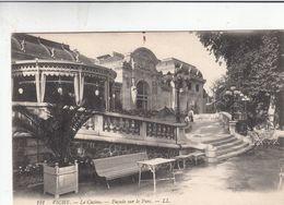 Cp , 03 , VICHY ,  Le Casino, Açade Sur Le Parc - Vichy