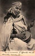 Algérie - Une Jolie Musicienne - Women