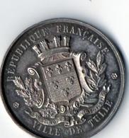 Medaille En Argent Souvenir De L'Exposition Industrielle Et Des Beaux-Arts De Tulle Datée 1880. Poids : 18.5 G. Diam : 3 - Professionnels / De Société