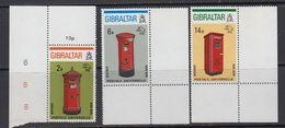 Gibraltar 1974 UPU / Post Boxes 3v (corners) ** Mnh (41505H) - Gibraltar