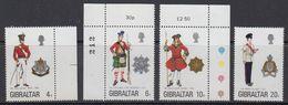 Gibraltar 1975 Uniforms 4v  ** Mnh (41505H) - Gibraltar