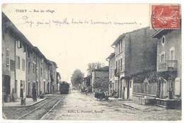 Cpa Tiret - Rue Du Village ( Train ) - France