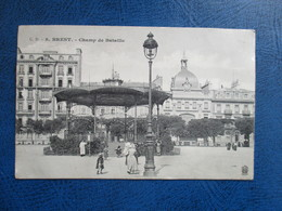 CPA 29 BREST CHAMP DE BATAILLE KIOSQUE ANIMEE - Brest