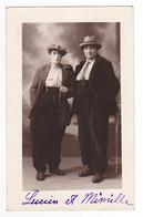 Très Belle Carte Photo De Lucien Et Mimille Avec Cigarette à La Main En 1931 VOIR ZOOM - Photographs