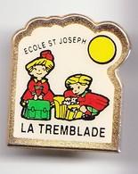 Pin's Ecole Saint Joseph La Tremblade En Charente Maritime Dpt 17 Réf 6008 - Cities