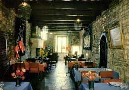 CORDES SUR CIEL  MAISON  DU GRAND ECUYER  HOTEL RESTAURANT  Une Salle à Manger Colorisée RV - Cordes