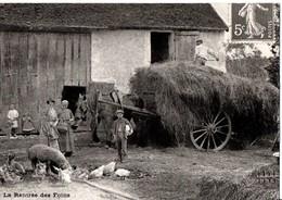 En 1900. REPRO. La Rentée Des Foins. Basse-cour, Cochon, Charrette, Cheval. En Bon état. SCAN. - Champagne-Ardenne
